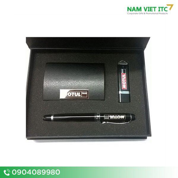 GSn-01-Bo-Giftset-bo-qua-tang-usb-but-hop-namecard-pin-sac