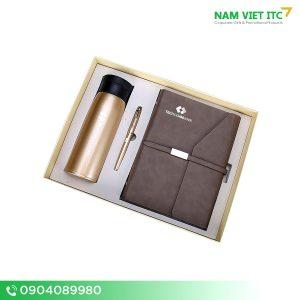 Bộ Giftset văn phòng bình nước giữ nhiệt + bút ký + sổ da in logo BVP10